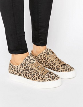 7488916-1-leopard